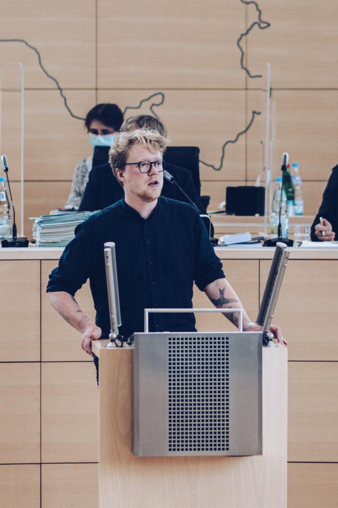 MdL Lasse Petersdotter im Landtag Kiel (August 2021)